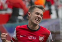 Ramsey fonte By Ronnie Macdonald from Chelmsford, United Kingdom - Aaron Ramsey celebrates his goal, CC BY 2.0, https://commons.wikimedia.org/w/index.php?curid=28492067